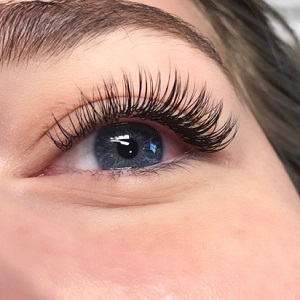 Different types of eyelash extensions